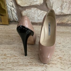 Brian Atwood drama pumps size 38- please read